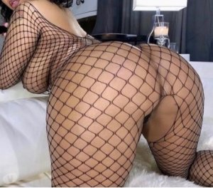 Mawada petite escorts in Lowell, MA